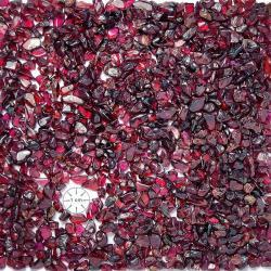 Gravier poli de grenat rouge du Brésil. Calibre 3-5 mm